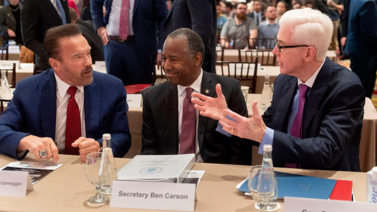 Ben Carson, Arnold Schwarzeneger, Gray Davis at USC homelessness forum in Los Angeles