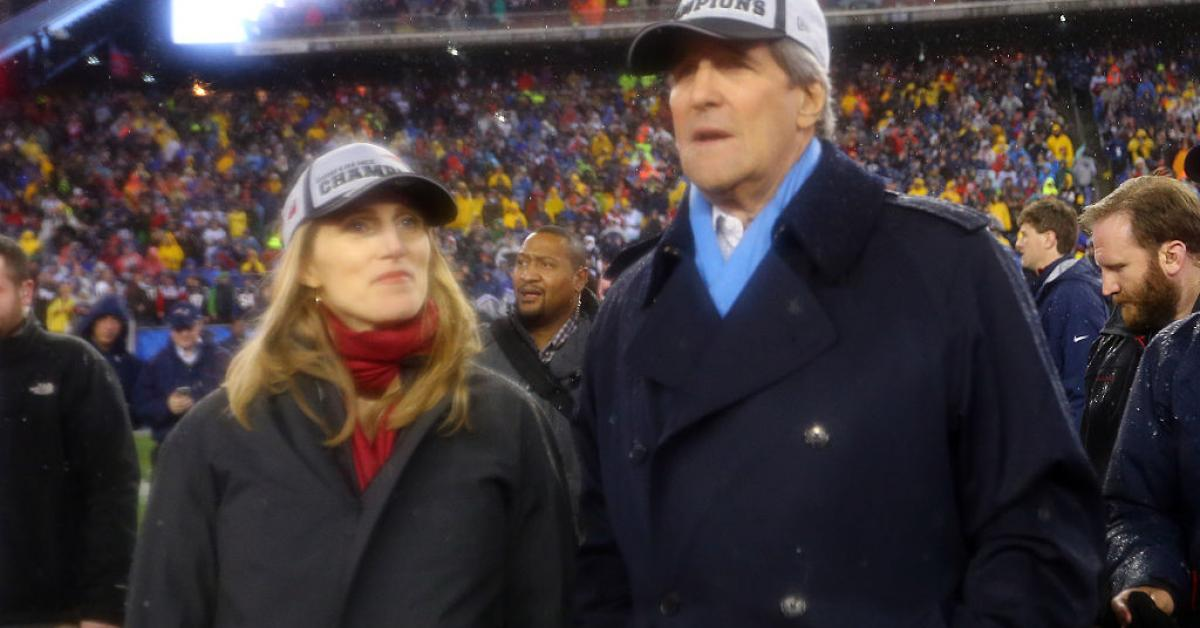 Vanessa Kerry and her father John Kerry at 2015 New England Patriots game in Foxboro, Mass. | (Maddie Meyer/Getty Images)